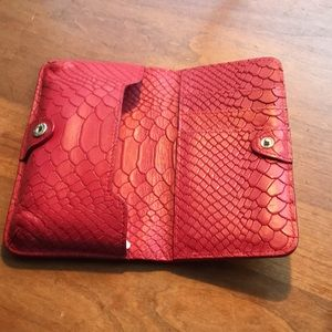 GiGi leather case